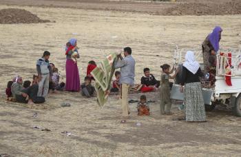 Na snímke Iračania bez domova z komunity Jezídí