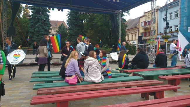 Hŕstka homoaktivistov a hŕstka anarchistov sa zišli v Košiciach na Gay Pride