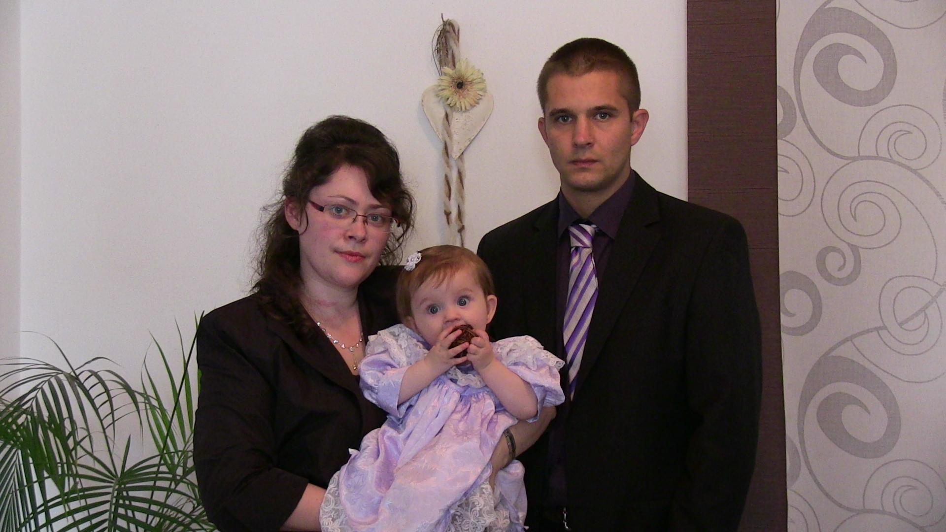 Eugen Martens a jeho manželka, ktorú taktiež čaká väzenie hneď, ako prestane kojiť najmladšie dieťa