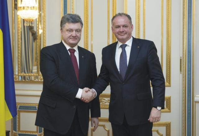 Slvoenský prezident Andrej Kiska a ukrajinský prezident Petro Porošenko