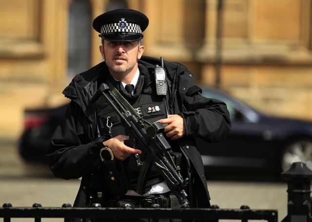 британского парламентария арестовали за сексуальные домогательства-фю2