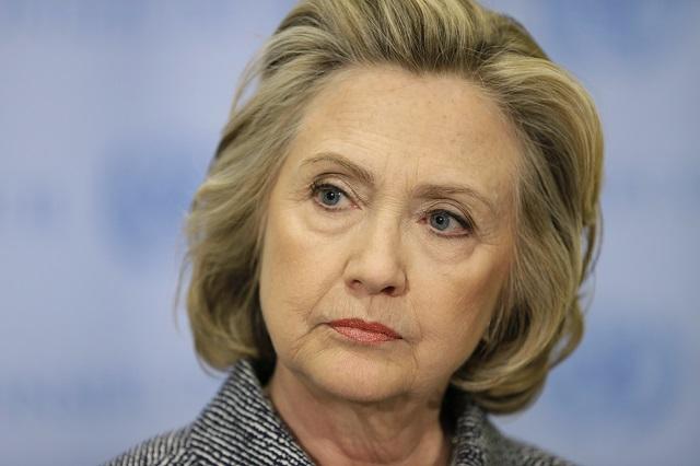 Exguvernér: vojna v iraku diskvalifikuje clintonovú stať sa