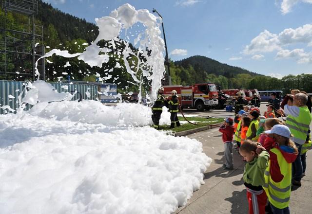 Deň otvorených dverí (DOD) zorganizovala Stredná škola požiarnej ochrany MV SR v Žiline pri príležitosti sviatku sv. Floriána, patróna hasičov