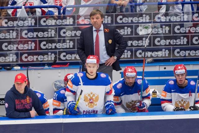 Na snímke tréner Ruska Oleg Znarok počas zápasu základnej B-skupiny Slovensko - Rusko
