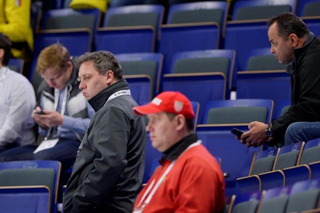 Na snímke asistent trénera Peter Oremus (vľavo) a generálny sekretár SZĽH Otto Sýkora (vpravo hore)