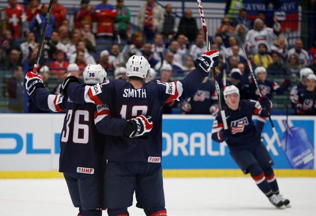 Na snímke americkí hokejisti