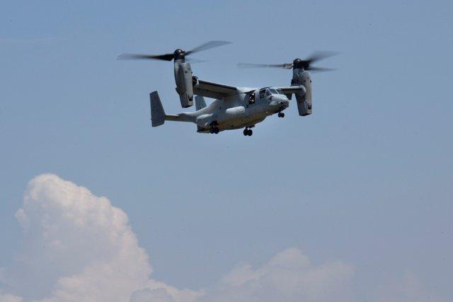 Na snímke pátranie po nezvestnom vrtuľníku v Nepále