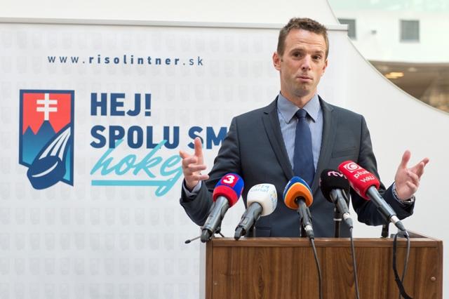 Na snímke Richard Lintner kandidát na post prezidenta Slovenského zväzu ľadového hokeja SZĽH