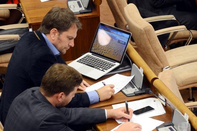 Na snímke poslanec NR SR Igor Matovič - OĽaNO (hore)