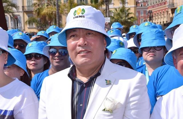 Na snímke výkonný riaditeľ čínskeho konglomerátu Tiens Li Ťin-jüan