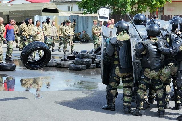 Na snímke cvičenie záložnej jednotky OSSR pre vojenskú operáciu Althea v Bosne a Hercegovine