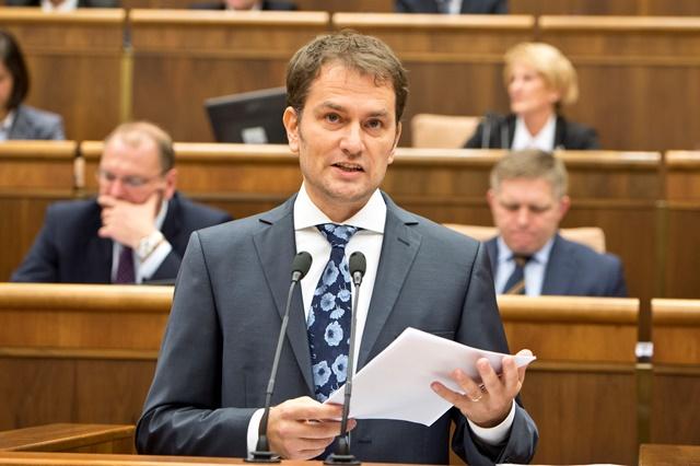 Na snímke v popredí poslanec NRSR Igor Matovič (OĽaNO)