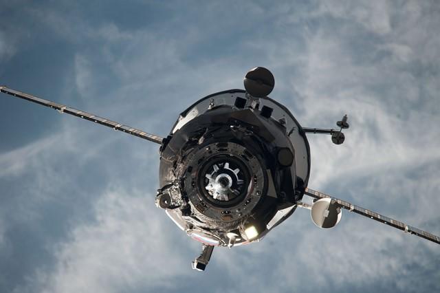 Na snímke ruská nákladná vesmírna loď Progress M-27M