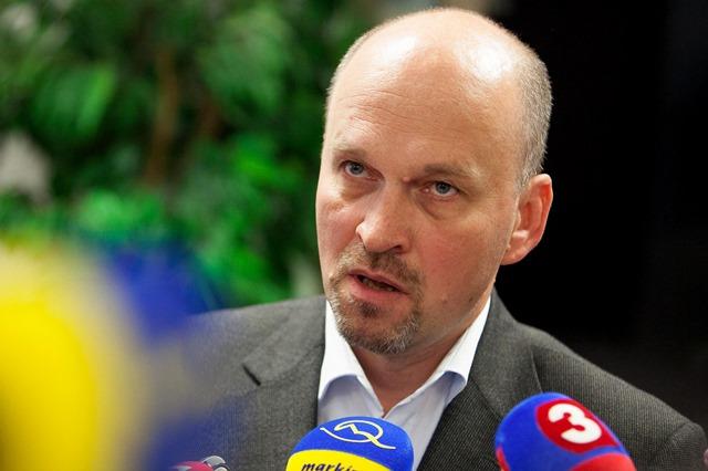 Na snímke autor tajnej správy o údajnom tunelovaní Vojenskej spravodajskej služby (VSS) plukovník v zálohe Vladimír Suchodolinský