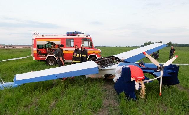 Na snímke havarovaný Aeromobil 2.5 na letisku v Nitre - Janíkovciach