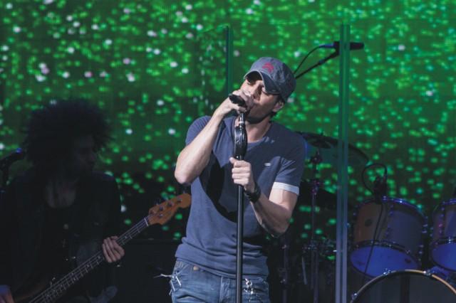 Španielsky spevák Enrique Iglesias