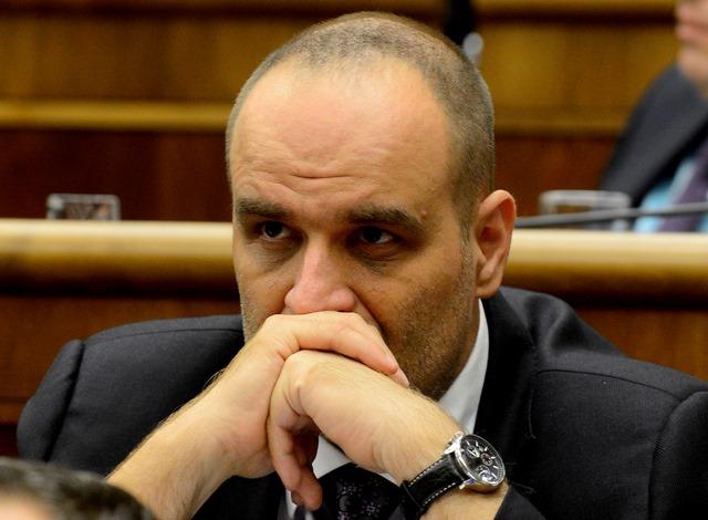 Na snímke opozičný poslanec a predseda SDKÚ-DS Pavol Frešo