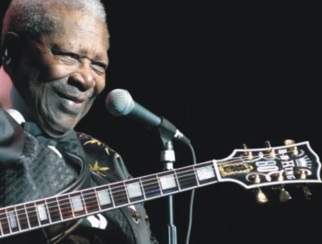 Na archívnej snímke americký bluesman B.B. King