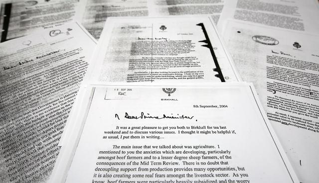 Na snímke je kópia listu princa Charlesa vtedajšiemu britskému premiérovi Tonymu Blairovi z 8. septembra 2004