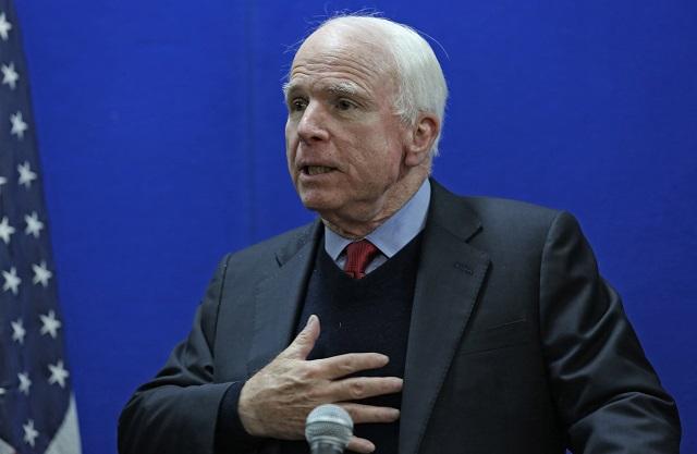 Na snímke John McCain
