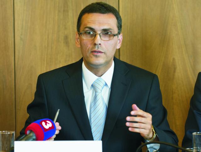 Na snímke kandidát na predsedu Najvyššieho kontrolného úradu SR Maroš Žilinka