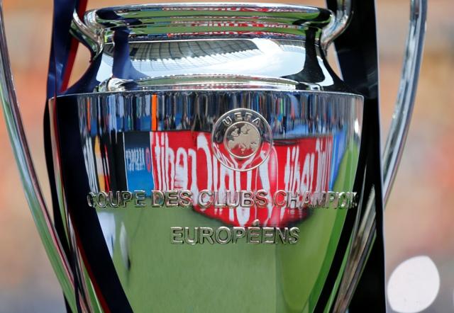 Na snímke pohár pre viťaza Ligy majstrov