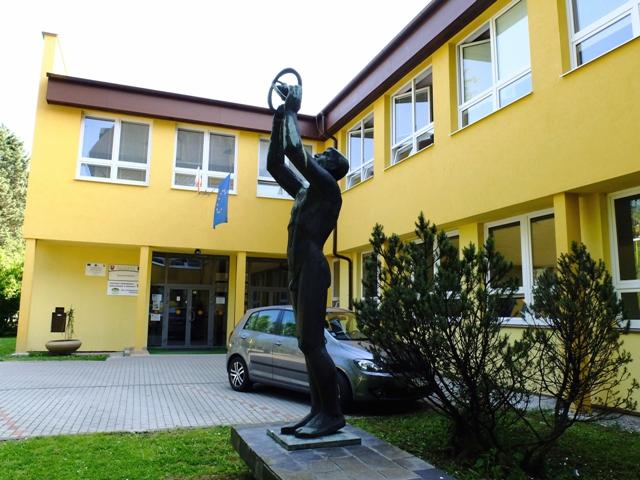 Na snímke Dopravná akadémia v Žiline