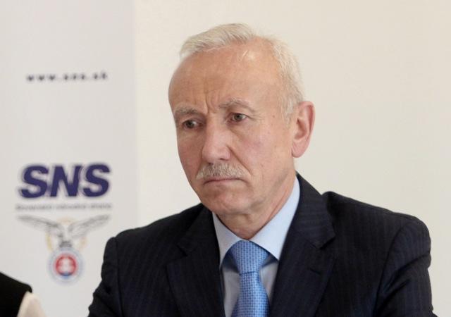 Na snímke prvý podpredseda SNS Štefan Zelník