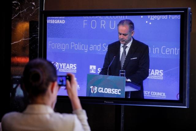 Na snímke prezident SR Andrej Kiska počas príhovoru v rámci druhého dňa medzinárodného bezpečnostného fóra GLOBSEC 2015