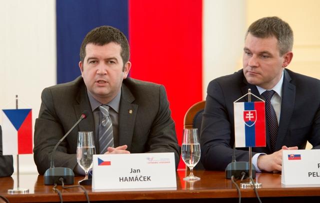 Na snímke zľava predseda Poslaneckej snemovne Parlamenu Českej republiky Jan Hamáček a  predseda NR SR Peter Pellegrini