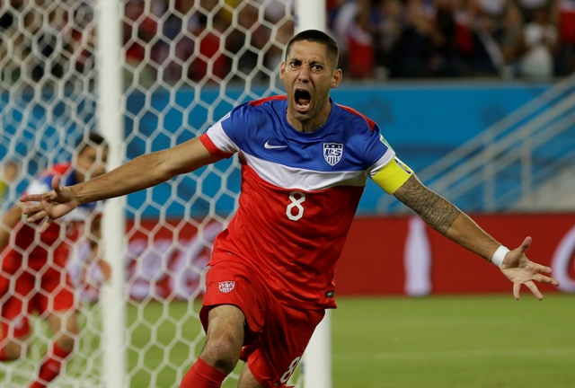 Na snímke americký útočník Clint Dempsey