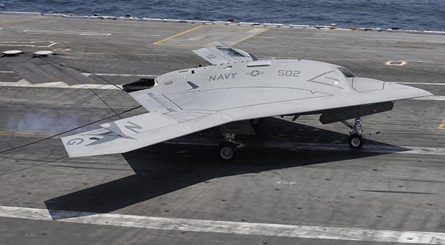 Na fotke bezpilotné lietadlo X-47B.