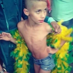 Chlapec na brazílskom gay pochode 2015 v Sao Paule