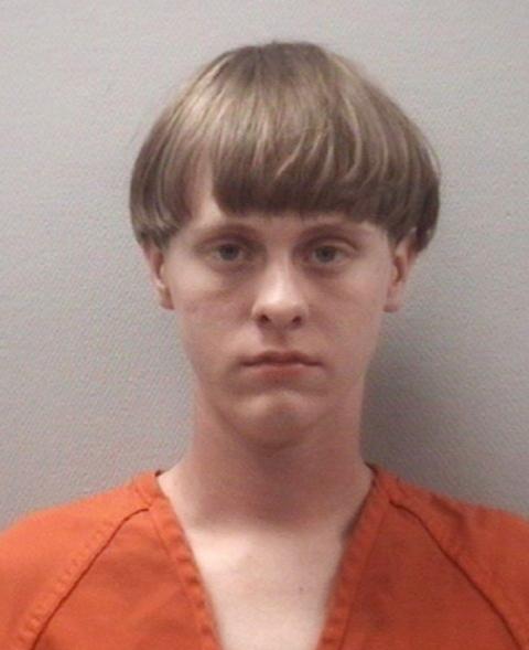 Na snímke 21- ročný Dylann Roff, podozrivý zo streľby v meste Charleston v americkom štáte Južná Karolína