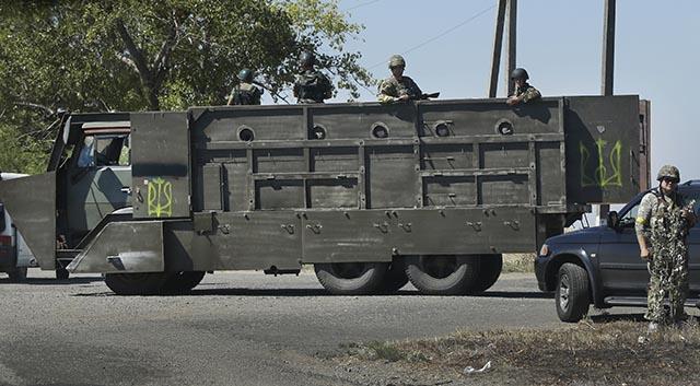 SY 41 Sachanka - Obrnené nákladné auto s vojakmi ukrajinskej armády