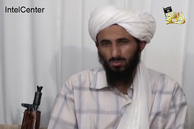 Na snímke z videa líder  al-Káidy na Arabskom polostrove Násir al-Wuhajší v Jemene