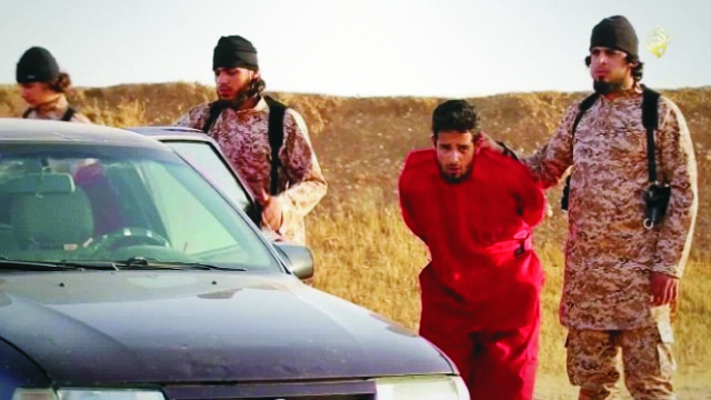 Teroristi z Islamského štátu vymýšľajú nové kruté spôsoby popravy