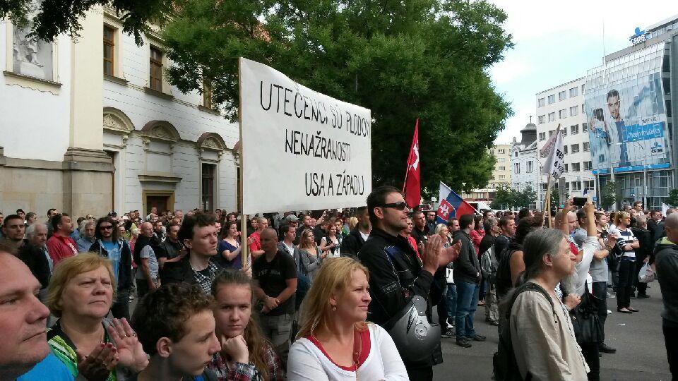 Odporcovia na demonštrácii  v Bratislave