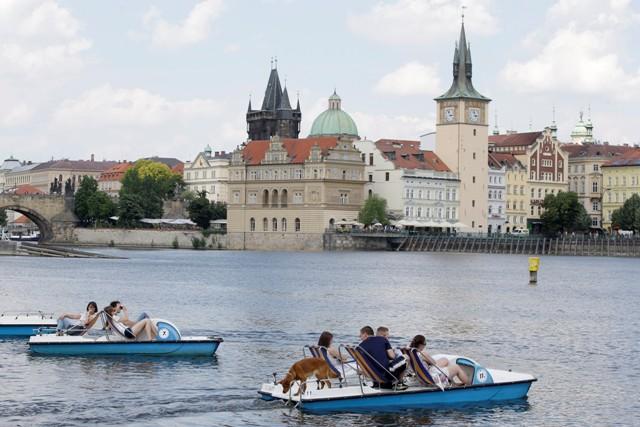 Na snímke slnečný deň v českej metropole Praha