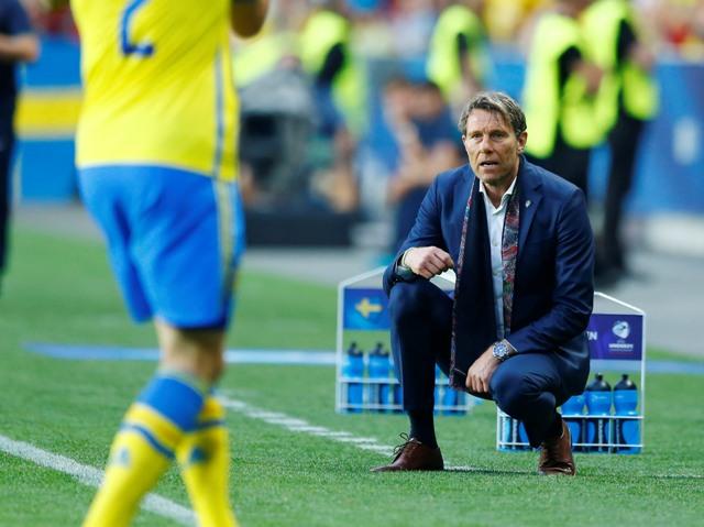 Na snímke švédsky tréner Hakan Ericson