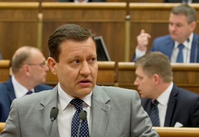 Na snímke v popredí poslanec NR SR Daniel Lipšic (nezaradený)