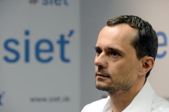 Na snímke predseda strany Sieť Radoslav Procházka