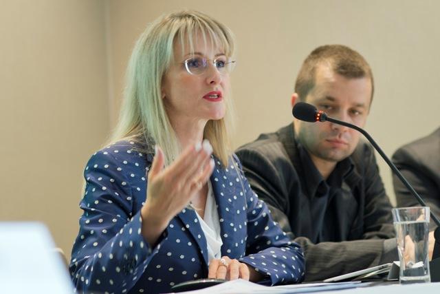 Na snímke sprava Milan Andrejkovič z Úradu splnomocnenca vlády SR pre rozvoj občianskej spoločnosti a poradkyňa ministra vnútra SR Tatiana Behrová
