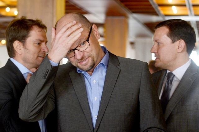 Na snímke zľava líder hnutia OĽaNO Igor Matovič, predseda SaS Richard Sulík a nezaradený poslanec NRSR Daniel Lipšic