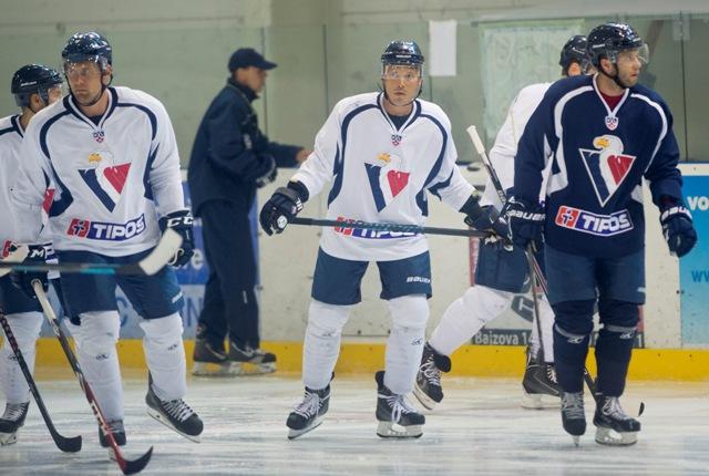 Na snímke zľava Ivan Švarný, Ladislav Nagy a Rok Tičar počas tréningu HC Slovan Bratislava pred začiatkom sezóny KHL 2015 - 2016