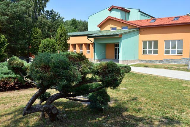Na snímke zrekonštruovaný Domov sociálnych služieb ONDAVA v Rakovci nad Ondavou