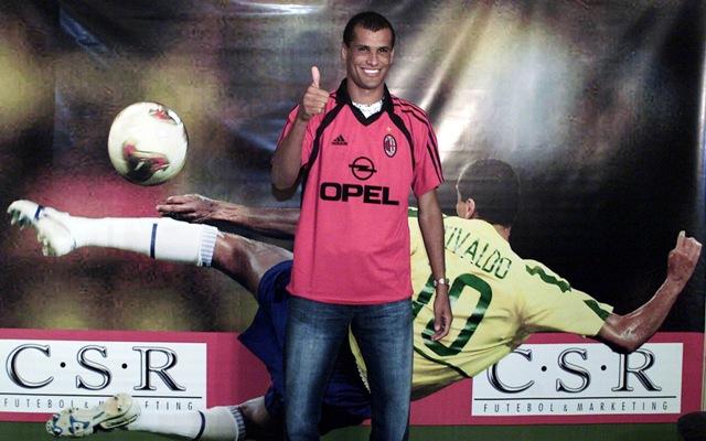 Na snímke brazílska futbalová hviezda Rivaldo