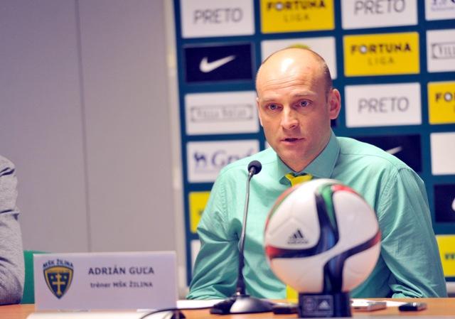 Na snímke tréner Žiliny Adrián Guľa