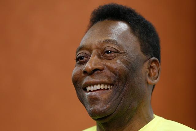 Na snímke brazílska futbalová legenda Pelé