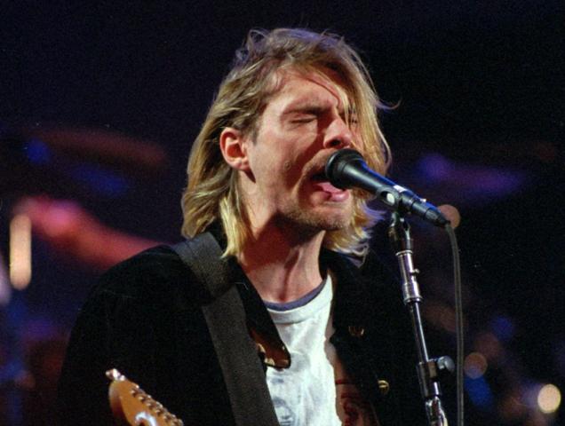 Na snímke americký rockový spevák, gitarista a líder legendárnej skupiny Nirvana Curt Cobain